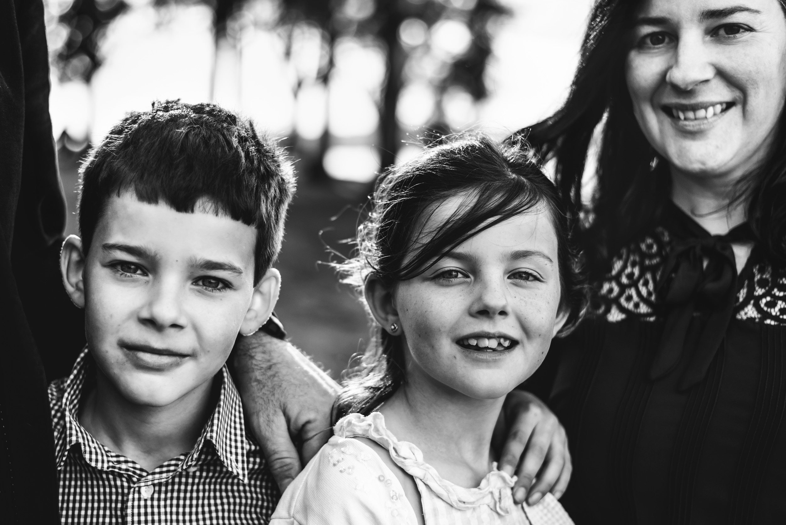 portrait of siblings and mum in North Brisbane
