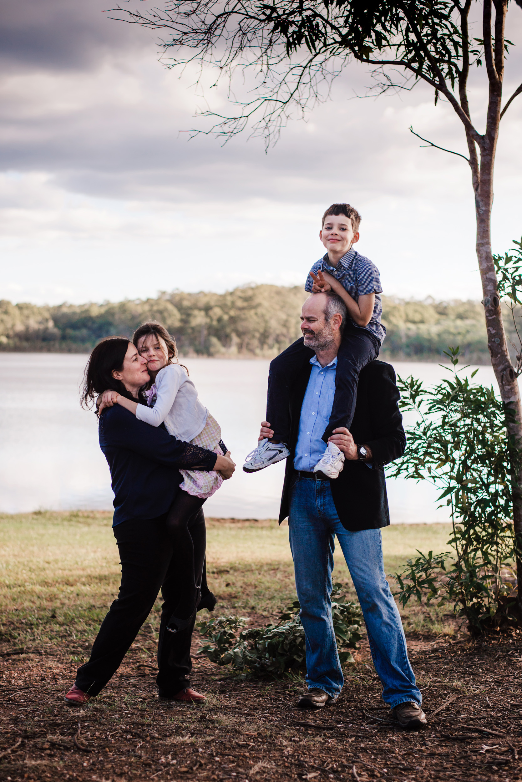 lifestyle photograph of family at Lake Samsonvale
