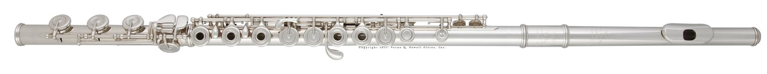 Uma Flauta  Signature  em prata sterling maciça e cabeça  Signature  Feita à Mão
