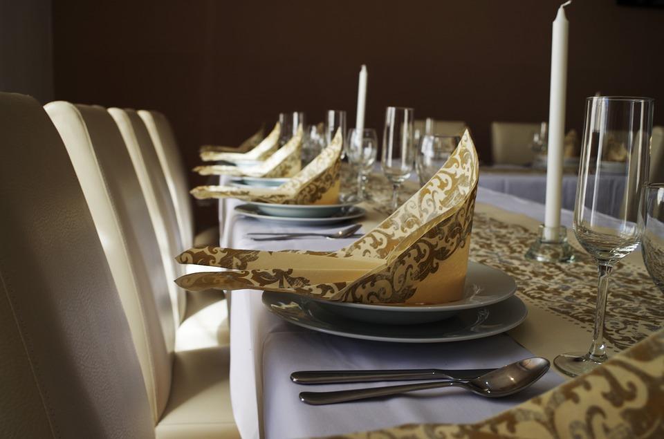 table-manners-1081458_960_720.jpg