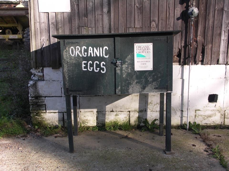 ....  Supporting organic farming  ..  Yn cefnogi ffermio organig  ....