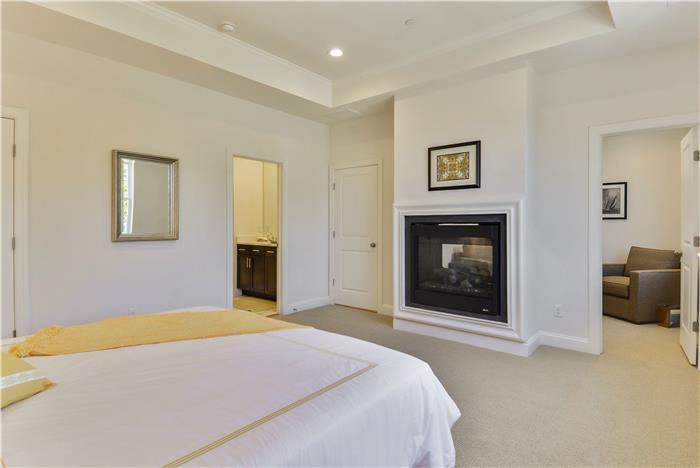 Upper-Level-Master-Bedroom-_DSC8694.jpg