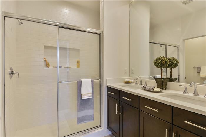 Upper-Level-Owners-Bath-_DSC8682.jpg