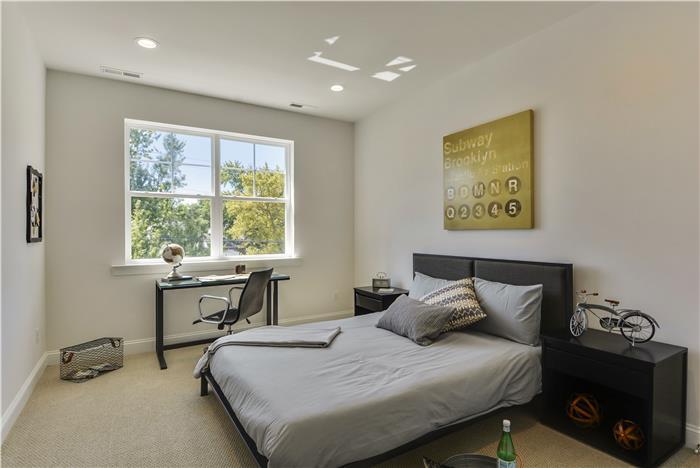Upper-Level-Bedroom-2-_DSC8646.jpg