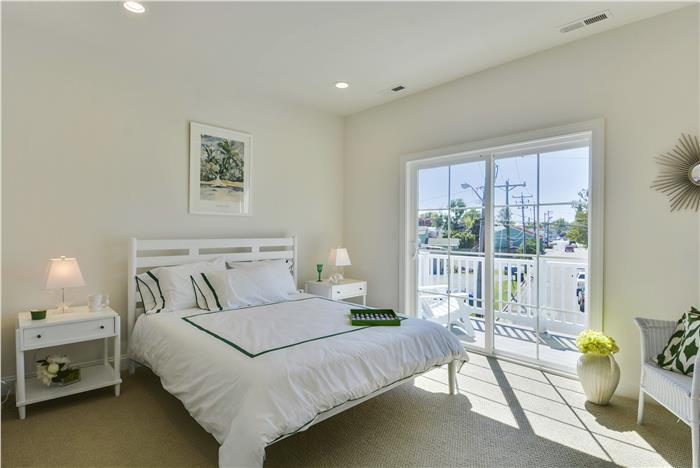 Upper-Level-Bedroom-3-_DSC8637.jpg
