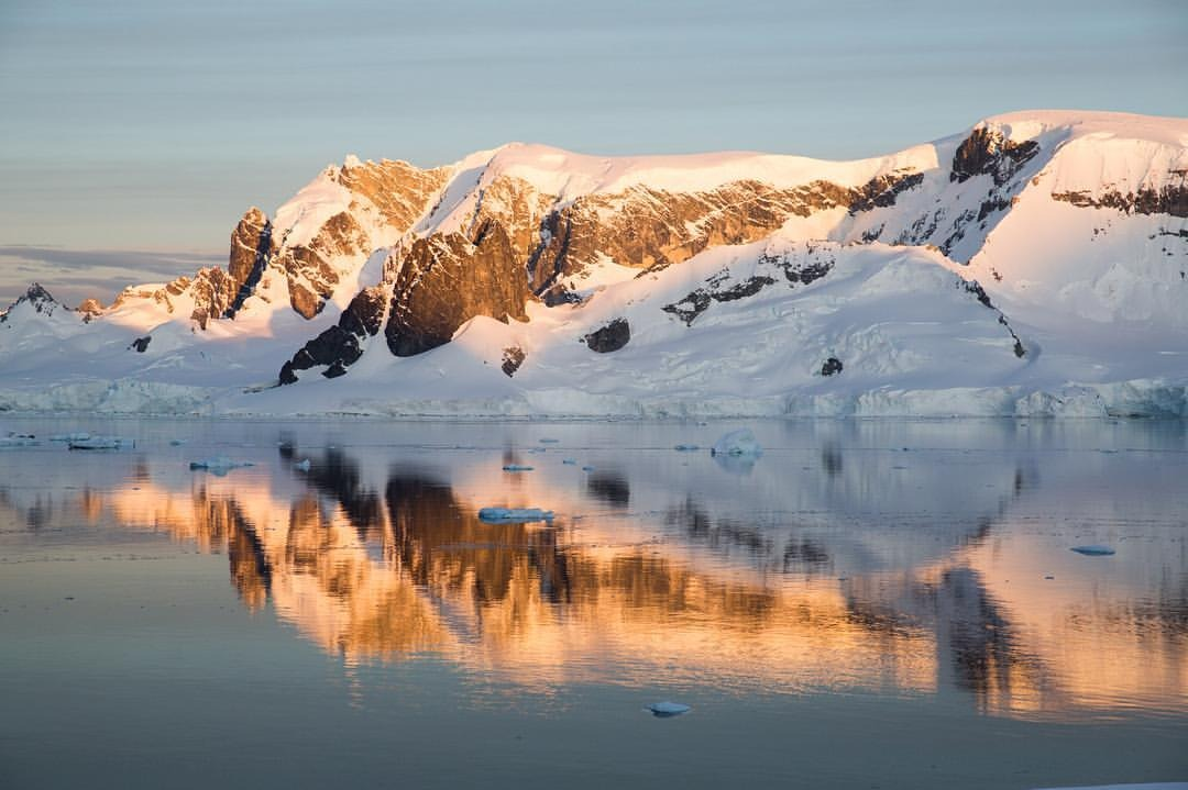 Antarctica screens tonight at @anthologyfilmarchives in NYC at 8:45 pm.     Info:   http://newsletter.newfilmmakers.com/q/8UCZ0Re4G3Wa4im13lJ0f2pw6qupRzhLVEo-w9zmDLKCljcQW4i6IWQvR      Hope you can make it out!     #antarcticaordie    (at Anthology Film Archives)
