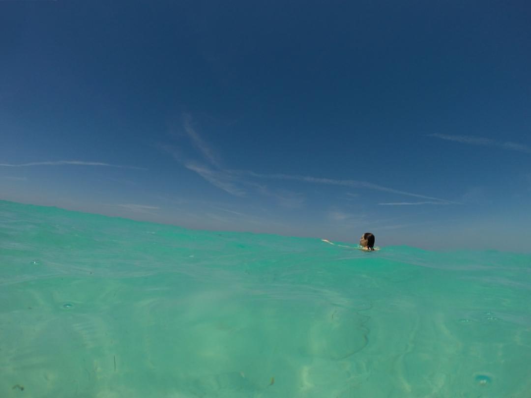  blue on blue      Quick work break w @jen_trahan    (at Paradise Island, The Bahamas)