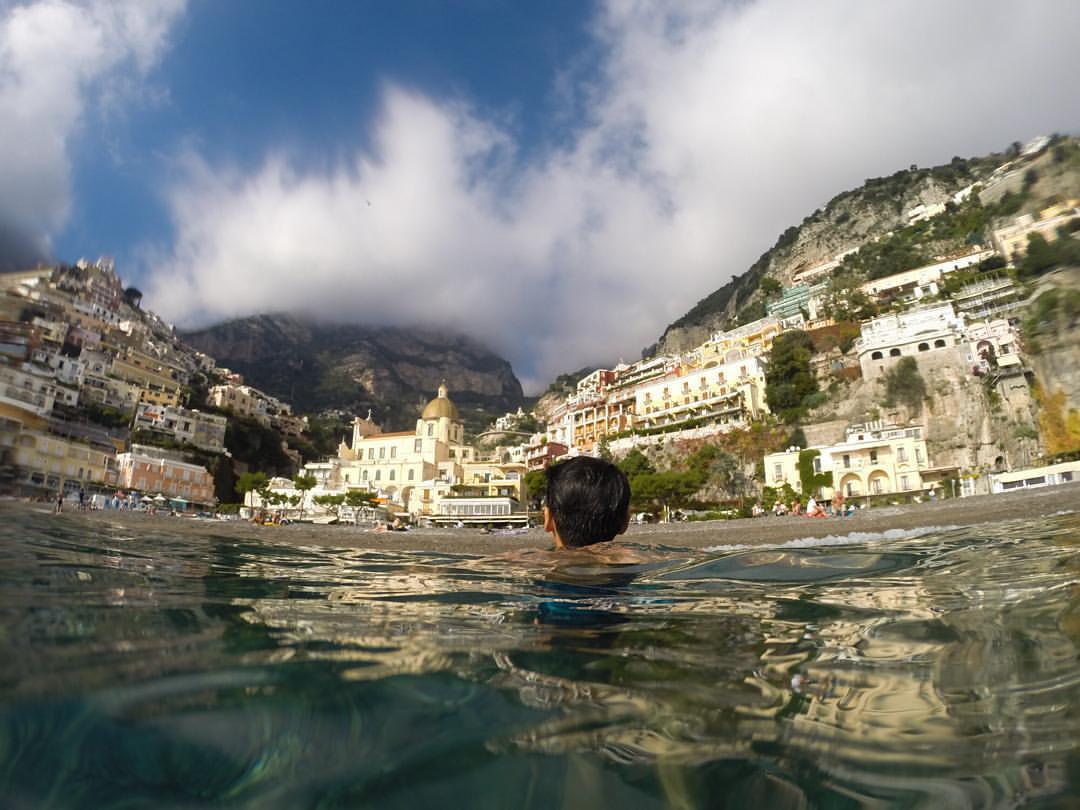 Summer vibes    #duefratellihernandez    (at Amalfi Coast - Positano)