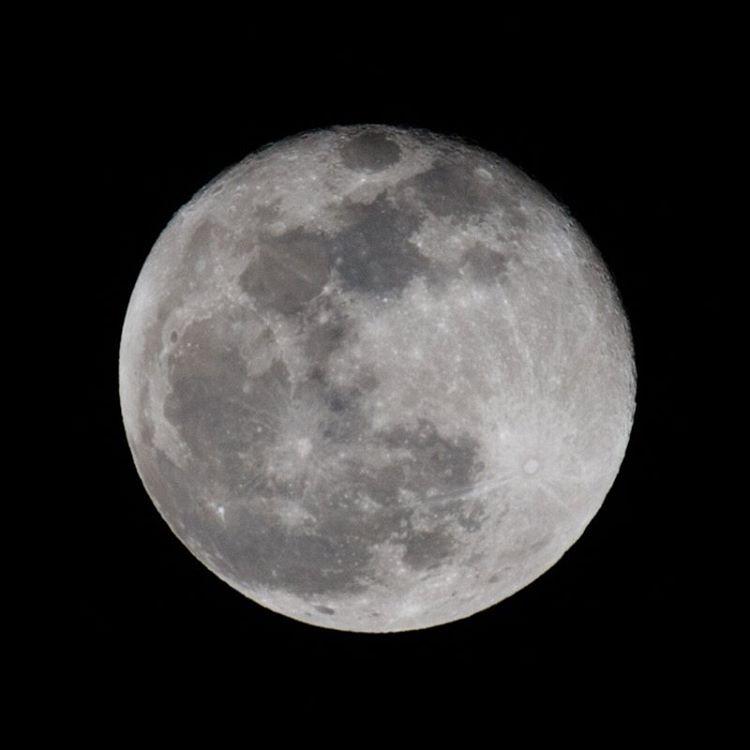 The super moon photographed from Tanzania     #bigcatsplayball    (at Serengeti National Park, Tanzania)