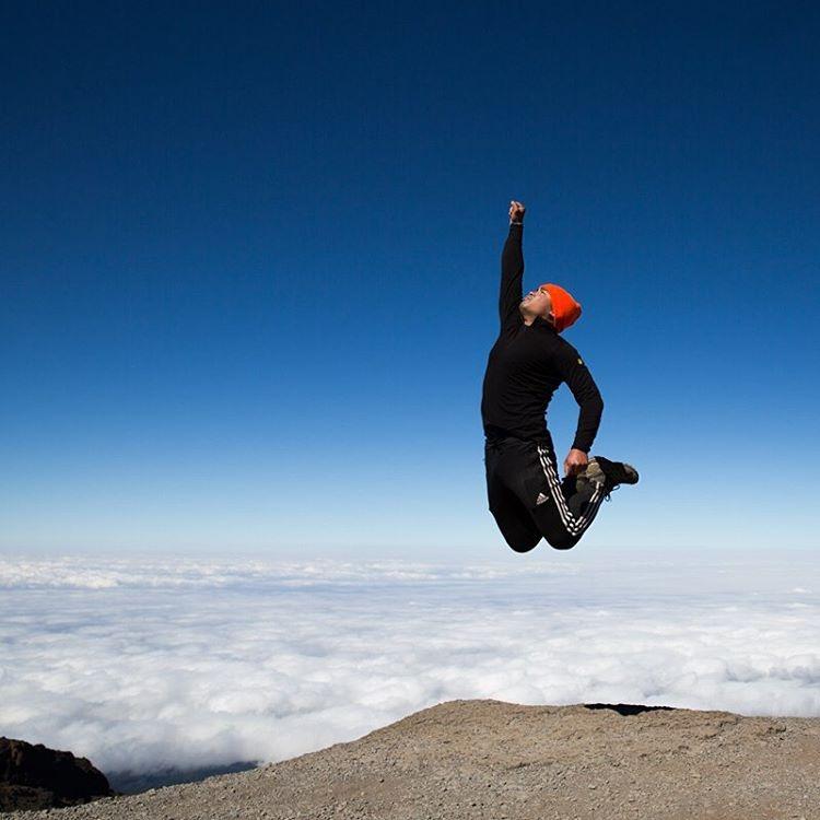 Above the clouds at 14,000 ft     #takeflight #bigcatsplayball     (at Kilimanjaro National Park, Tanzania)