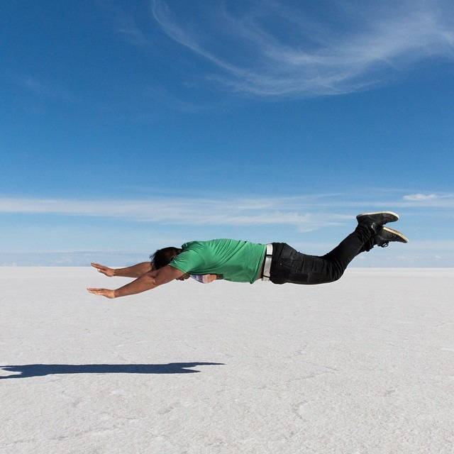 Creativity is absolutely necessary when attempting to exercise in the Bolivian salt flats. Here's my first attempt at a Superman, inspired by @rockadeezy    #antarcticaordie #ibelieveicanfly (at Salar De Uyuni, Bolivia)
