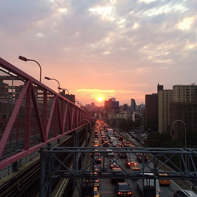 I've really been enjoying watching the sun set lately, especially after not seeing a sunset in over 5 weeks #nofilter #nyc #beauty (at Williamsburg Bridge)