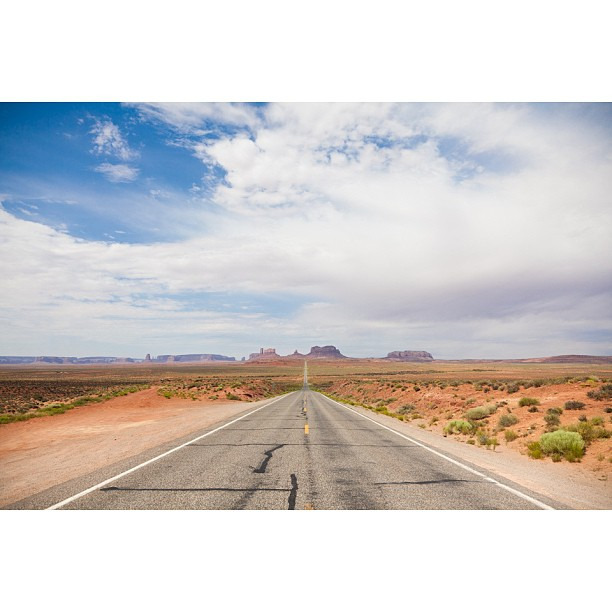 After I quit my job back in 2010, I took a 15,653 mile road trip across North America and snapped this photo of Gump Hill in the middle of the #Arizona desert. I started in CA, drove to #NYC, sold my car upon arriving, and haven't looked back ever since. #freedom #forrestgump #tbt #throwbackthursday #lifeisbeautiful
