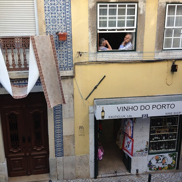 The scene outside of our apartment window today. This place has a lot of #character. #lisbon #portugal #nofilter (at Lisbon)