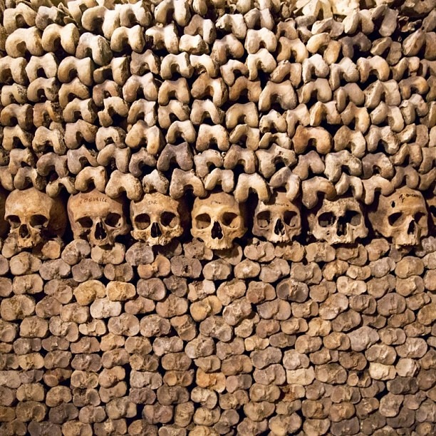 "I finally got to see the #catacombs after my 3rd visit to #Paris. I waited 2 hours but it was definitely worth it. The catacombs hold the remains of about 6 million people and has been open to the public since 1874. A kid screamed ""Oh my God!!"" when he entered the room with the remains. I'm also impressed by the lowlight capability of the #Canon #5DmarkIII. This was shot handheld at f/2.8, ISO 8000, at a shutter speed of 1/10th of a second. ""I see dead people."" (at Catacombes de Paris)"