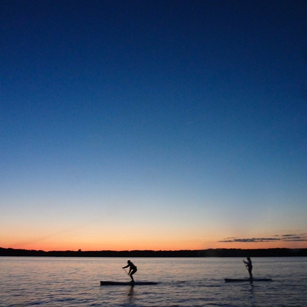 Tonight I felt like a California kid again, alive and free. #SUP #standuppaddle #standuppaddling #maine #magichour (at Freeport, Maine)