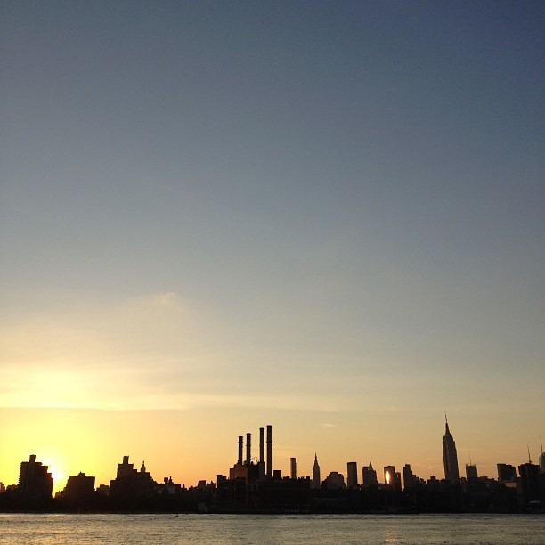 To love beauty is to see light. - Victor Hugo #nofilter #magichour #sunset #nyc