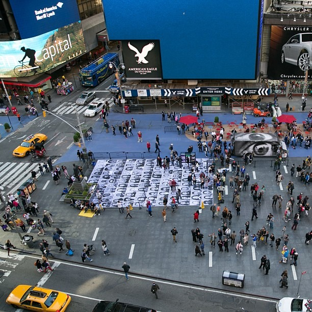 @marc borrowed my #5DmarkIII and this is one of the images he came back with. I need to do that more often. I'm operating the #timelapse camera at the bottom of the portrait grid @insideoutproject @JR #insideoutnyc (at Times Square)