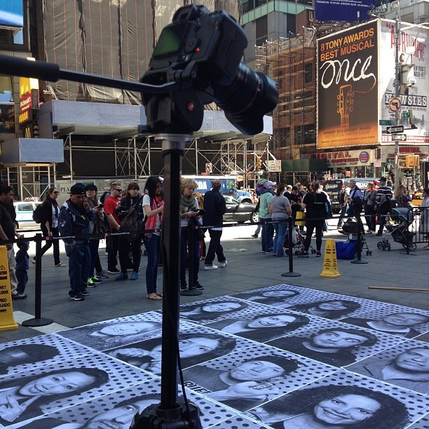 Documenting #insideoutnyc #timelapse #nofilter #jr #insideoutproject #nyc #streetart  (at Times Square)