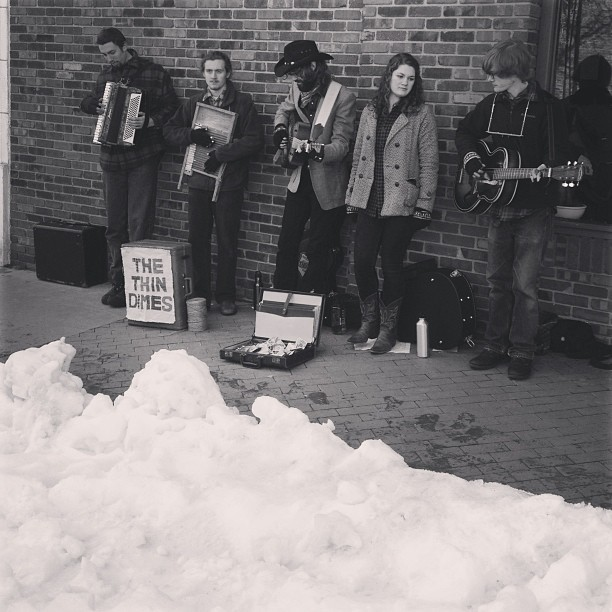 Buskers and snow all over the place #truefalse (at Missouri)