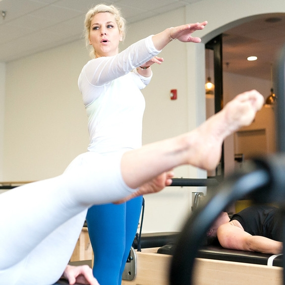 SWEAT & STRETCH - This class combines 25 minutes of high intensity kick-ass Pilates and 25 minutes of deep—deep deep—stretching on our Reformer. We get that bod of yours warm with the workout, then stretch and stretch and stretch til you feel like taffy. It's good, babe. It's REAL good.