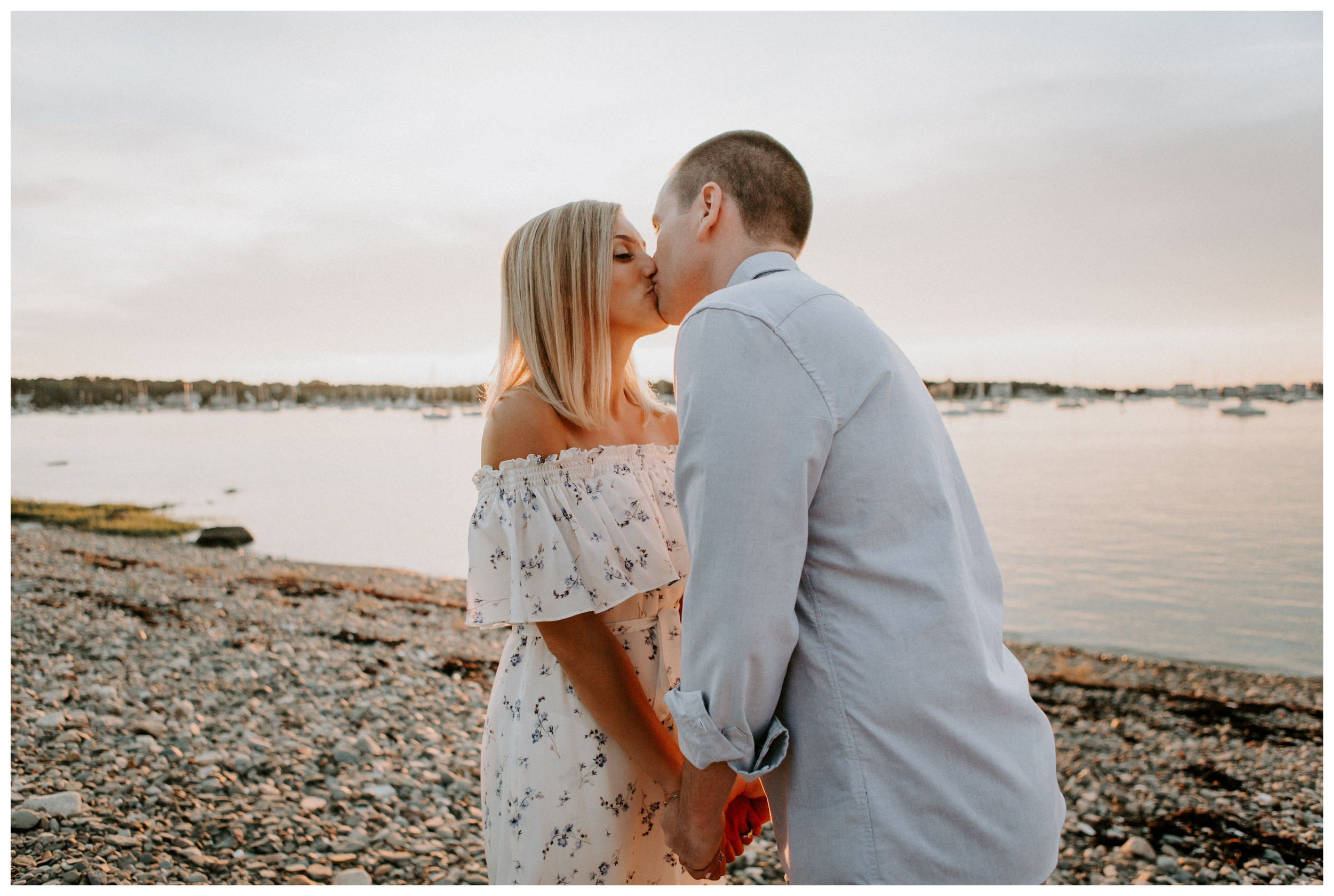 coastal-sunset-scituate-lighthouse-engagement7.jpg