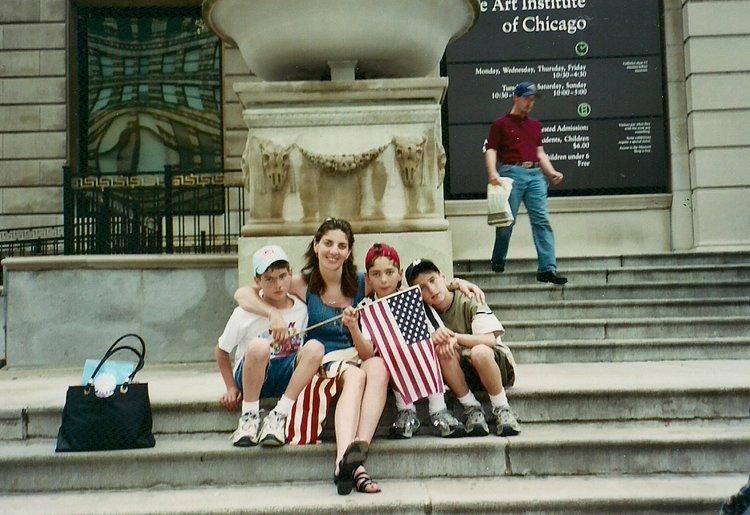 maka+and+boys,+in+chicago,+2004.jpg