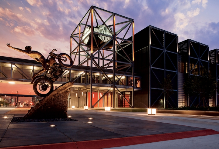 HARLEY-DAVIDSON MUSEUM®   400 W CANAL ST MILWAUKEE, WI 53201  ( more... )
