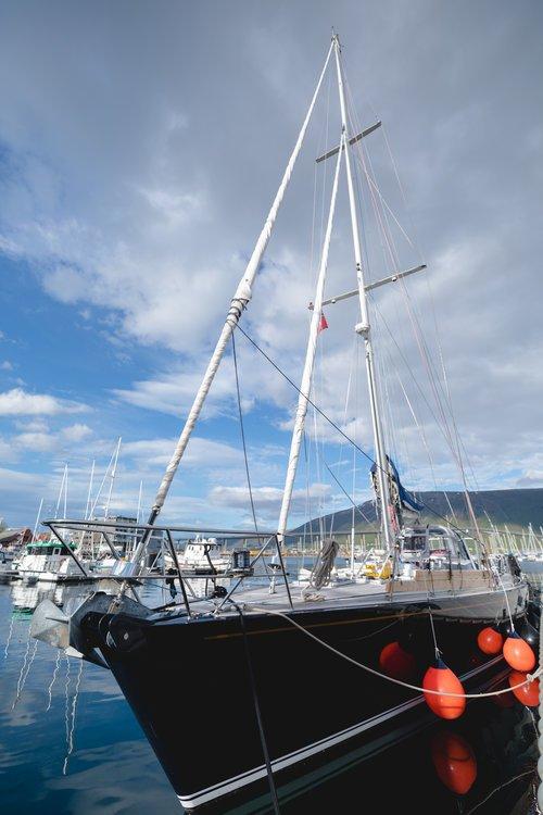 Le leasta notre bateau : un voilier de 24 mètres