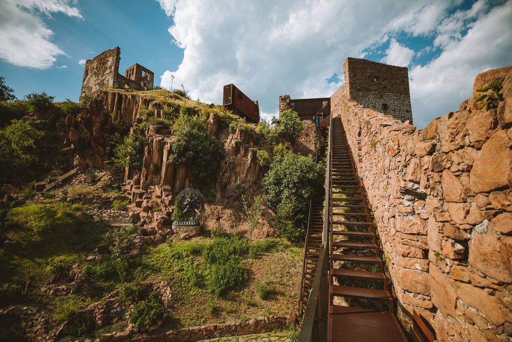 chateau ruine messner museum
