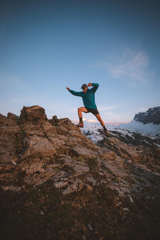 julien saute au dessus du mont blanc