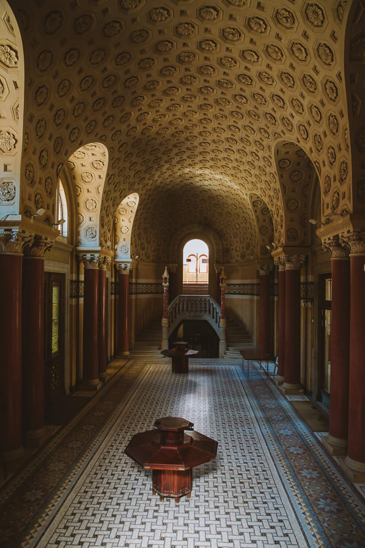 interieur grands thermes chatel guyon