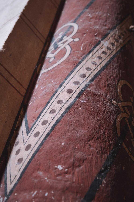 colonne peinte abbatiale issoire