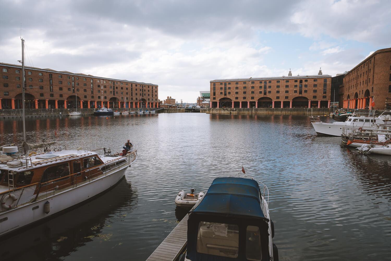 albert dock liverpool bateaux