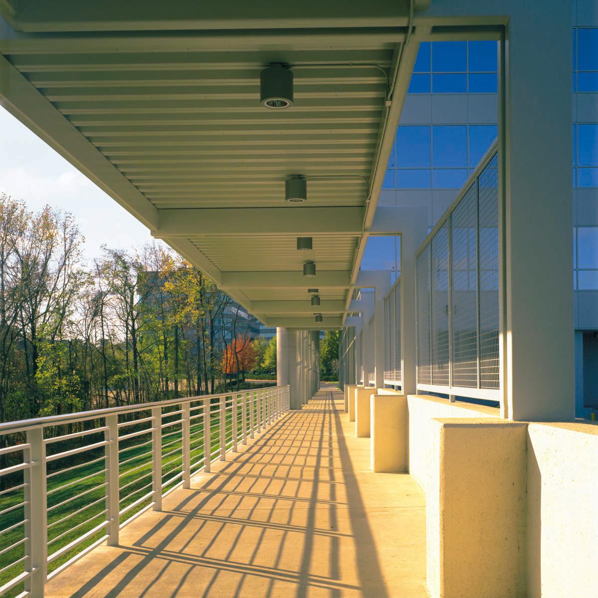 Highland-Ridge_ei_walkway-(web).jpg