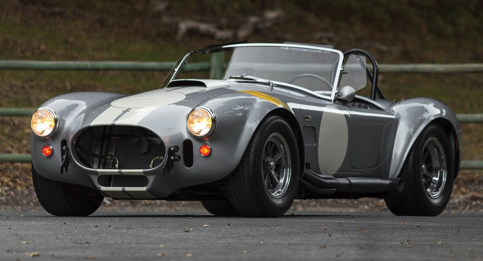 shelby-cobra-427-is-up-for-sale_100638120_h.jpg