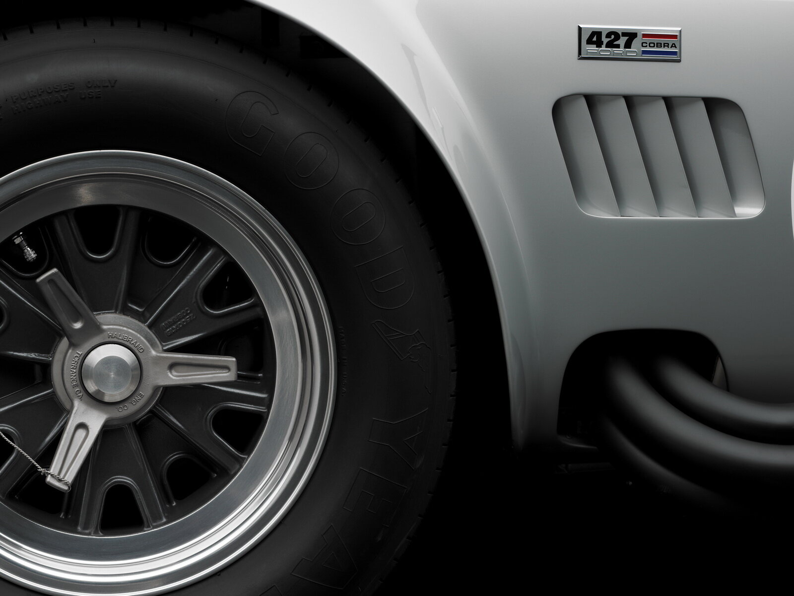 shelby-cobra-427-is-up-for-sale_100638131_h.jpg