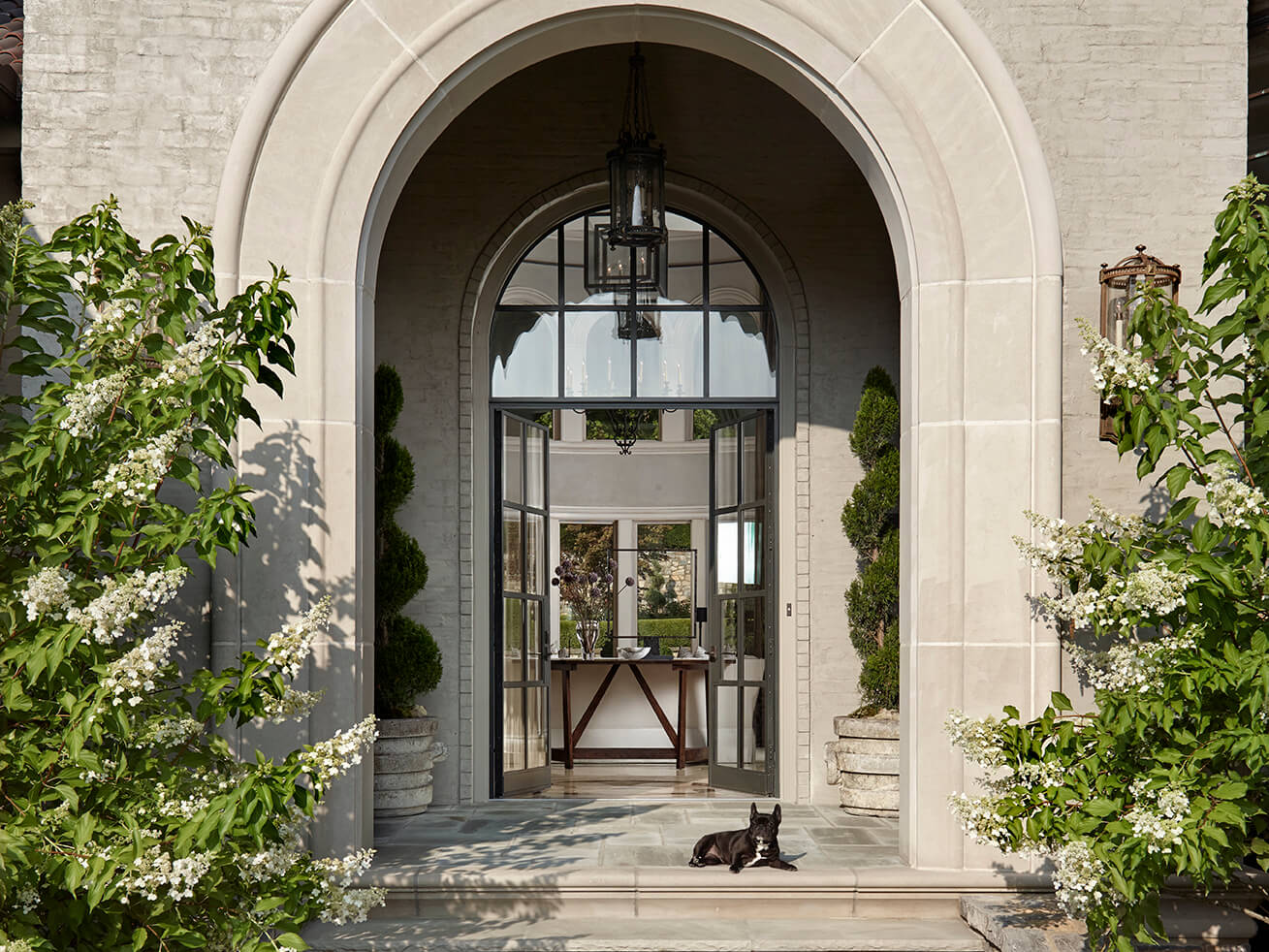 stone-outdoor-arch-entryway-formal-transitional-bureau-interior-design-nashville-tn
