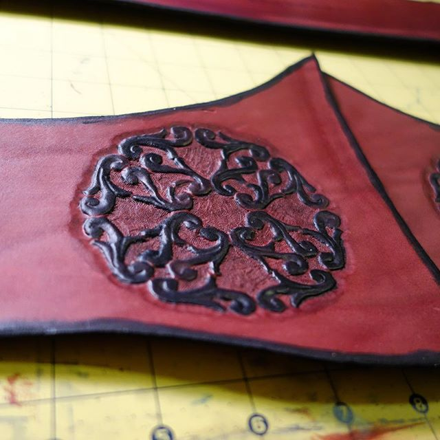 Work in Progress shots of The Burgundy Lady #leatherwork #leather #rennaissance