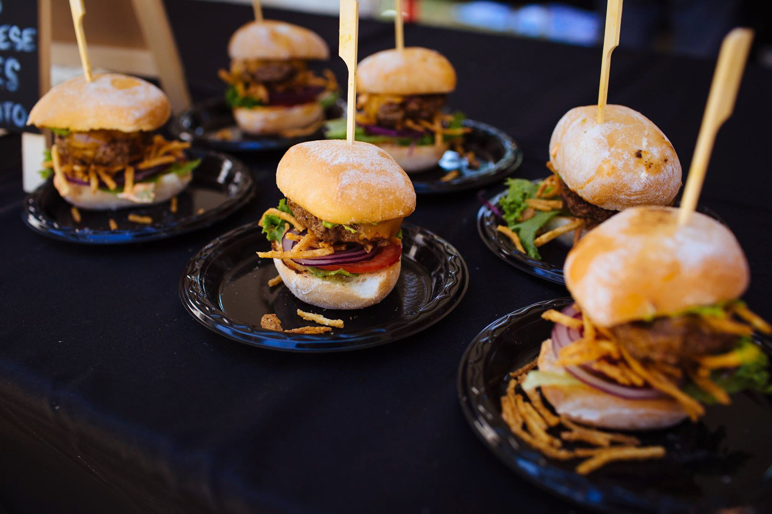 Burgers-and-Beer-Best-Of-Photos-for-Web-(4-of-25).jpg