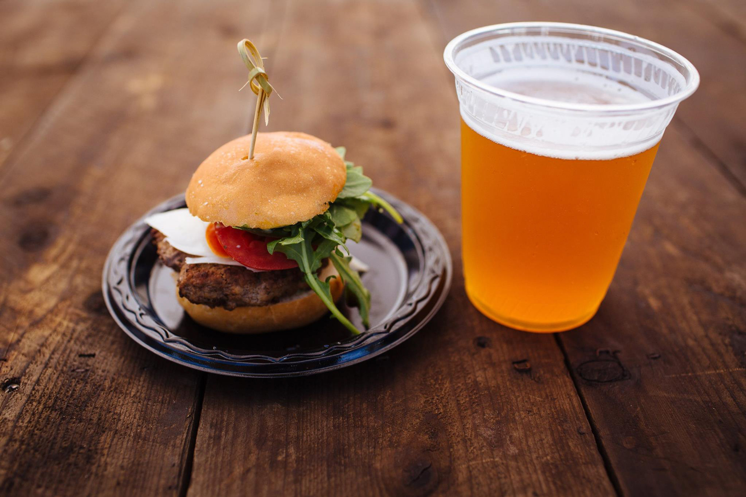 Burgers-and-Beer-Best-Of-Photos-for-Web-(16-of-25).jpg