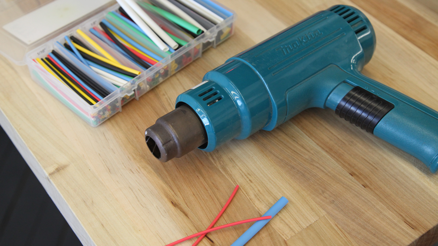 Makita heat gun - Never try to use shrink wrap with a lighter again.