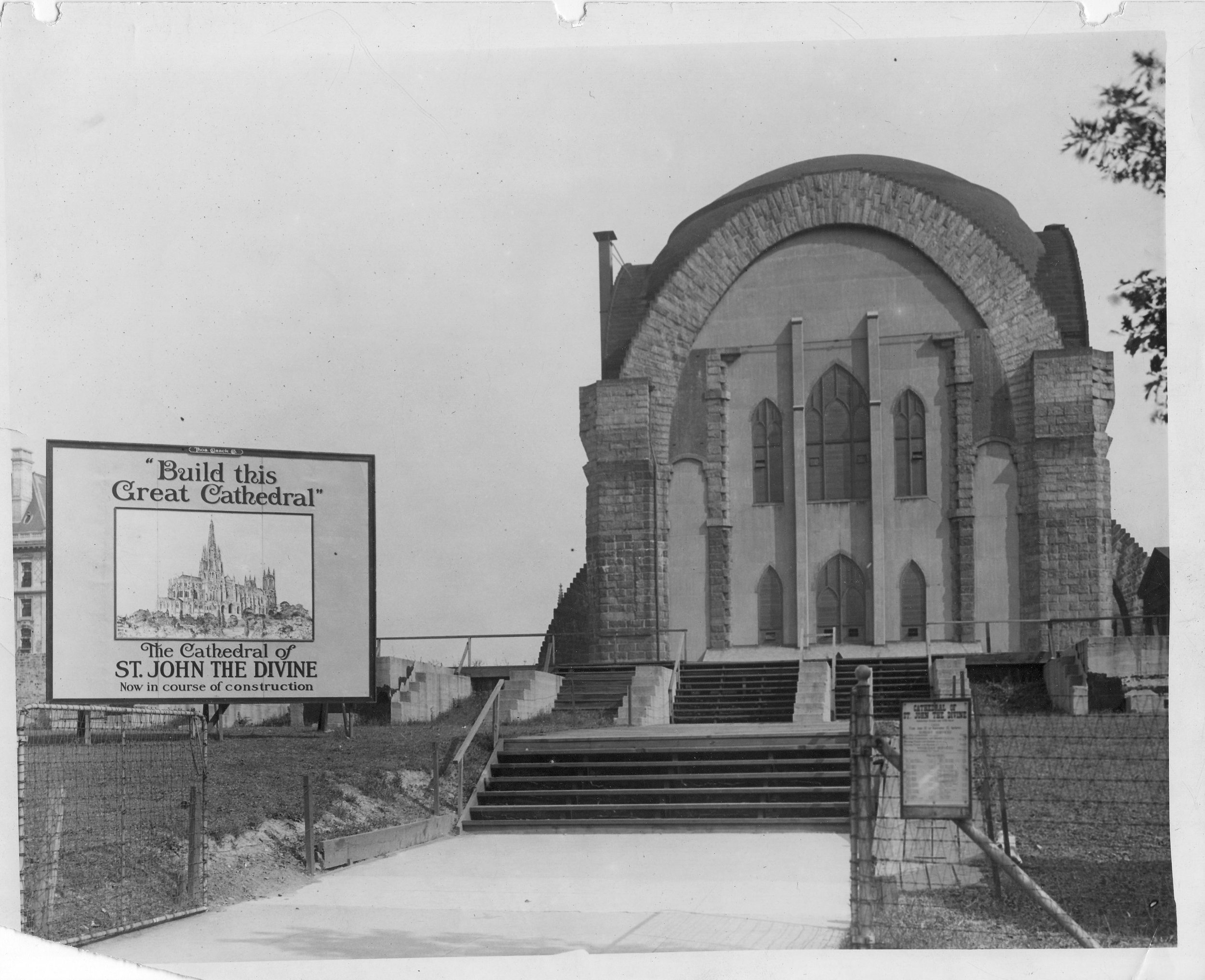 1920: St. John the Divine with the dome and temporary walls complete. Credit: Episcopal Diocese of New York Archives.