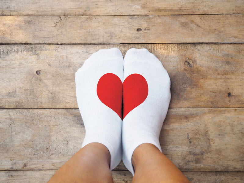 69908797_M_Feet_socks_Heart_white sock_foot_cold.jpg