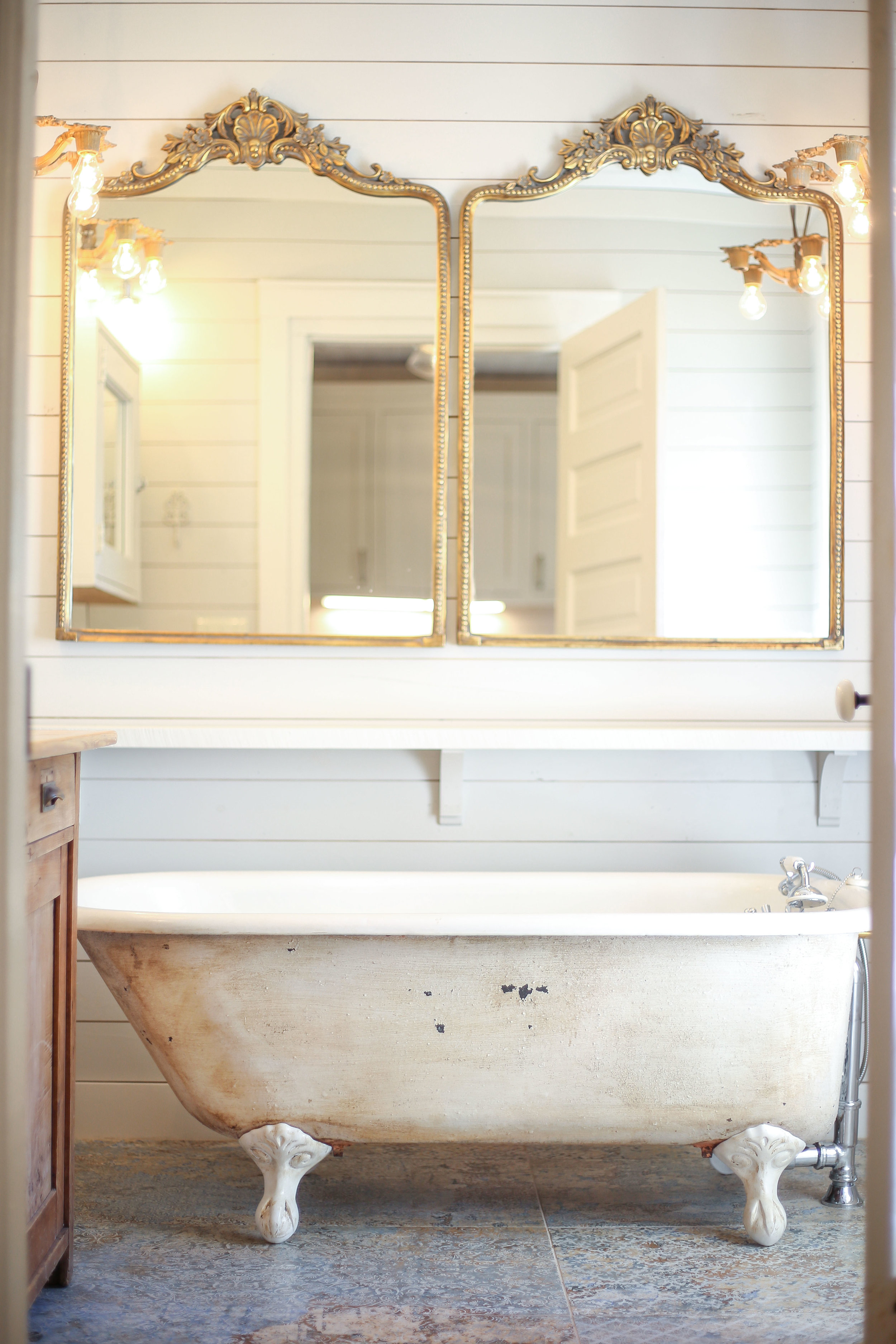 Shealy middle bath mirrors and tub CL.JPG