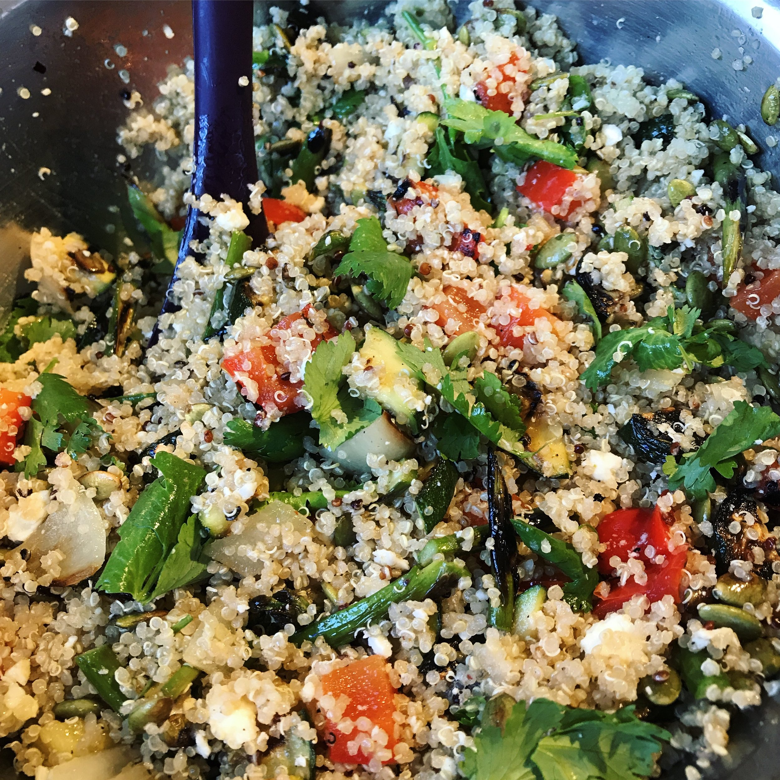 Cooked quinoa seeds become fluffy and creamy, yet maintains a slight crunch. It has a delicate and subtly nutty flavor, versatile for breakfast (as a cereal), lunch (as a salad) or dinner (as a side).