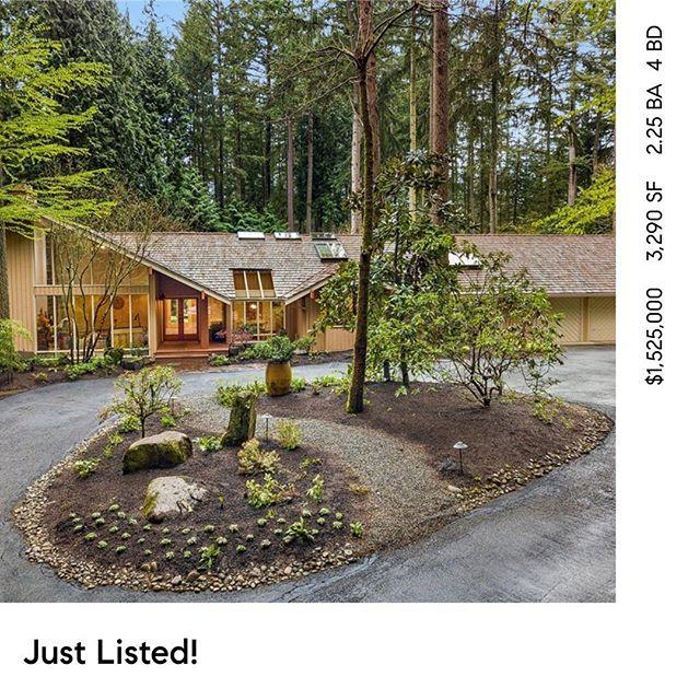 Amazing home on 3/4 Acres JUST LISTED in The heart of Bridke Trails! Open Saturday 4/20 12-3pm. 3645 134th Ave NE Bellevue . MLS#1439588 #bellevue #kirkland #bridletrails #compasswashington #rambler #bellevuerealestate #compasseverywhere