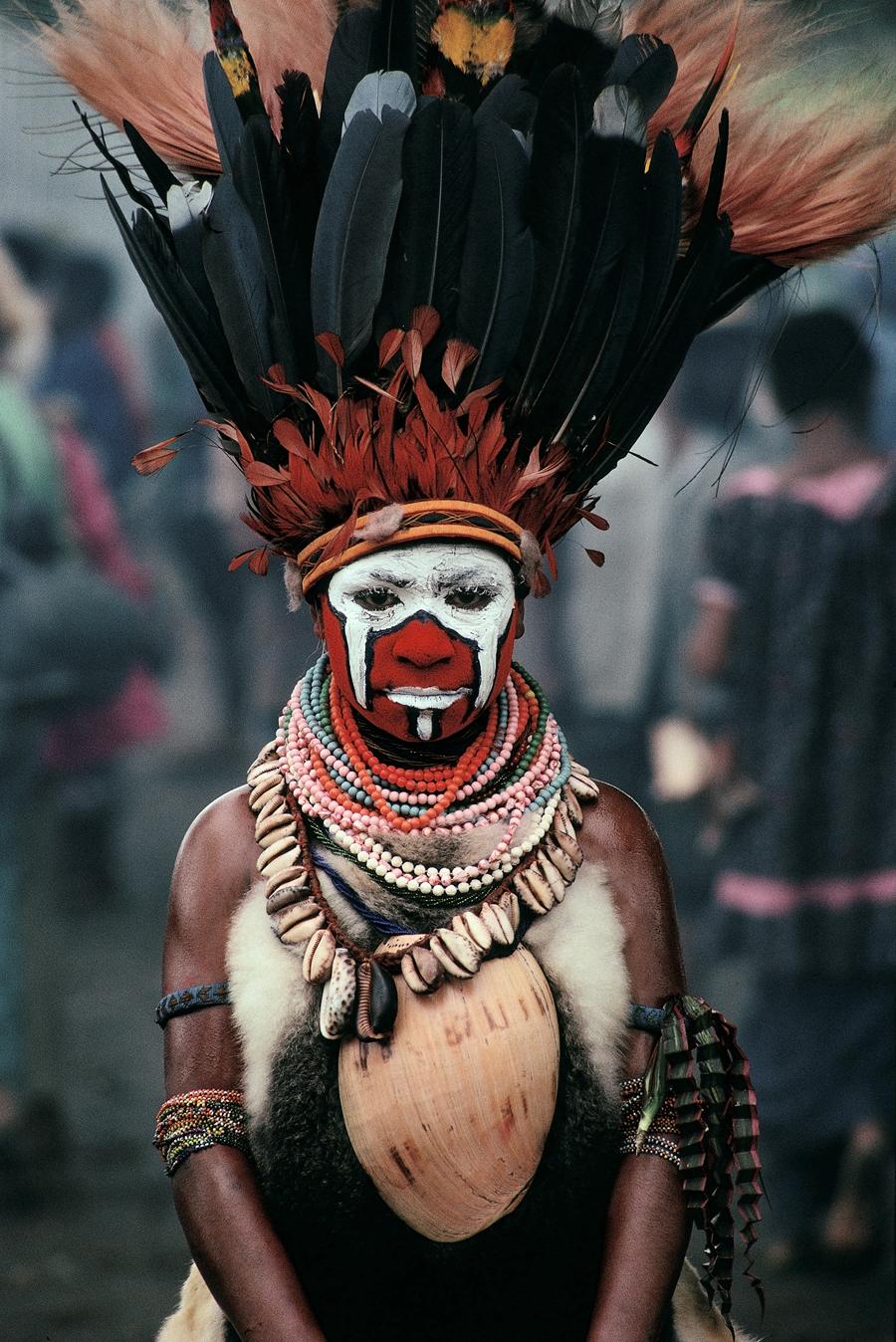 "Cary Wolinsky  New Guinea Dancer, Mt. Hagan, Papua New Guinea  Archival inkjet print 27 x 18"" CW25"