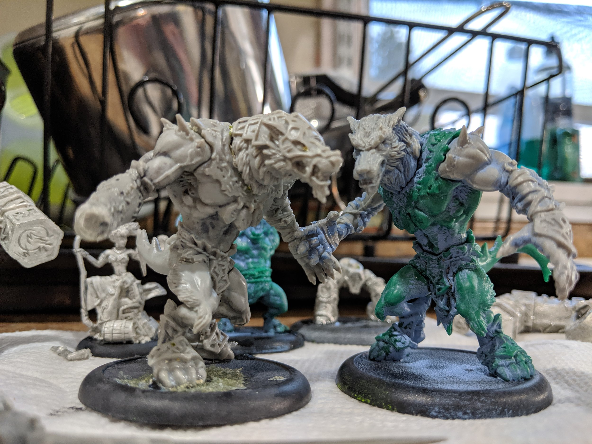 Here are two Warpwolves I stripped at the same time. Looks like the battlebox plastic wants to hold onto the primer in some areas.
