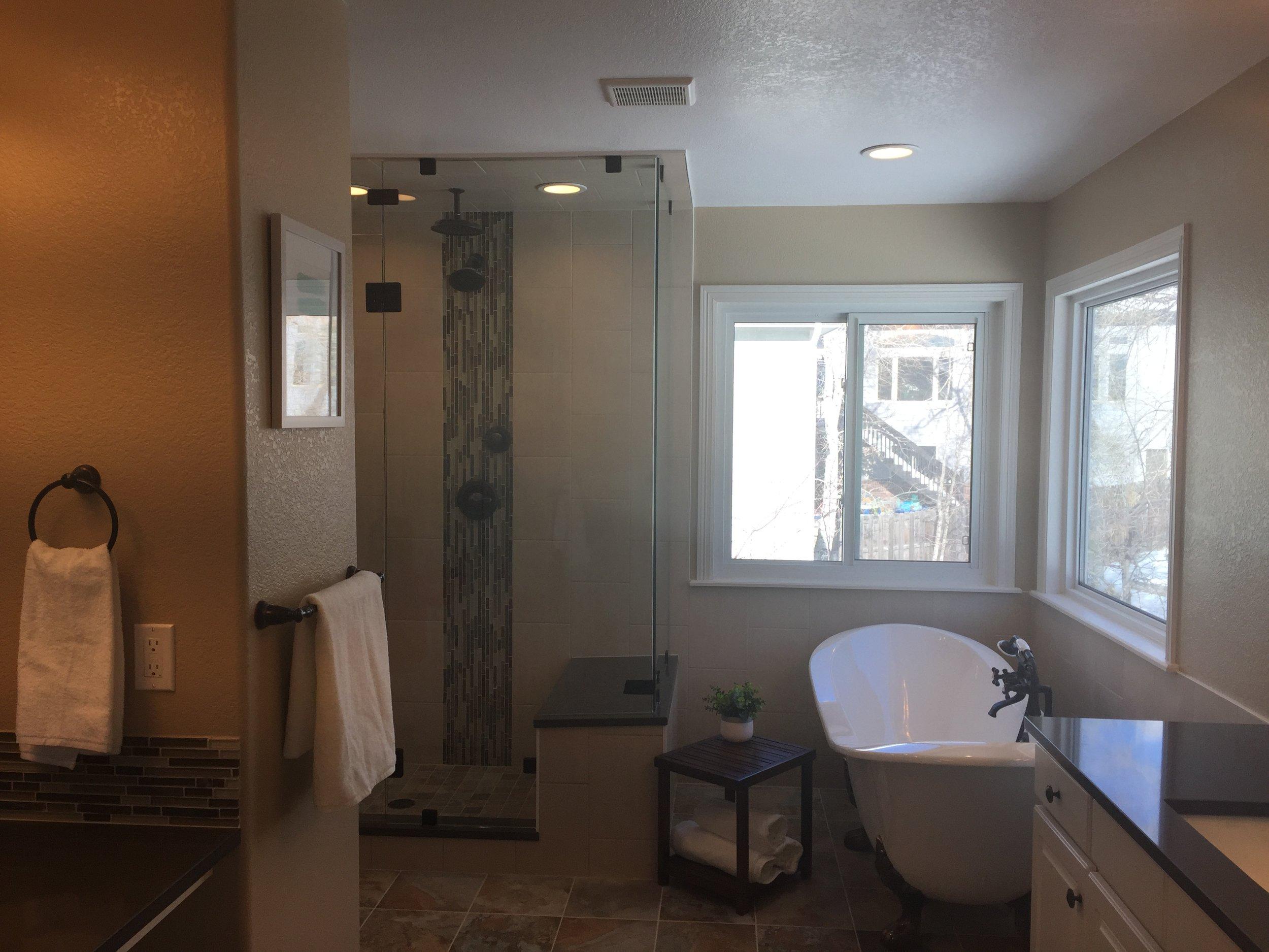 Pine View Road | Master Bathroom